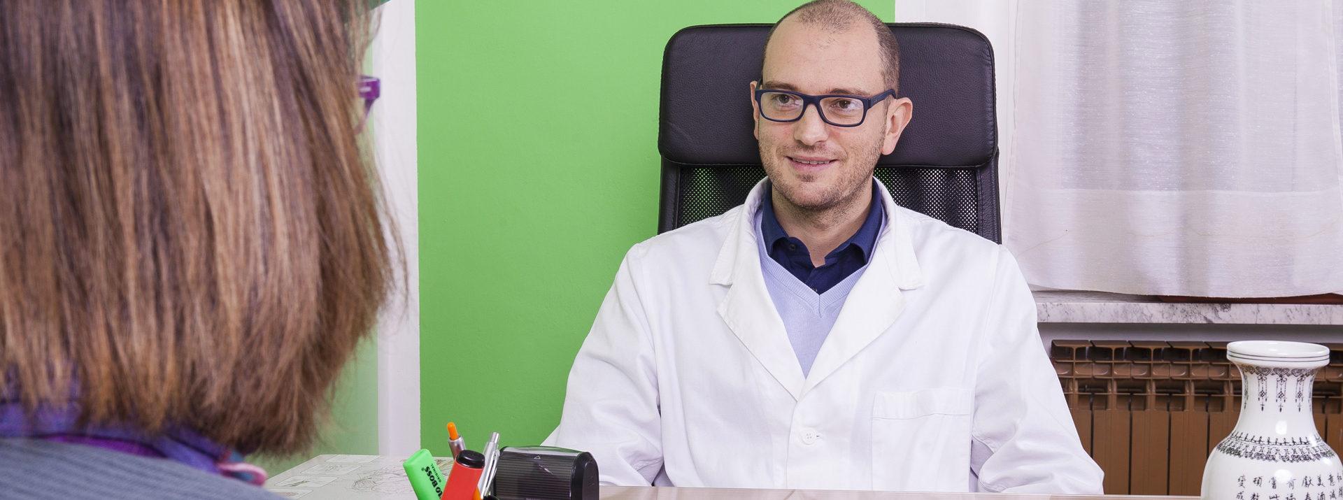 Medico chirurgo Diploma FISA e Master in pratica clinica agopuntura
